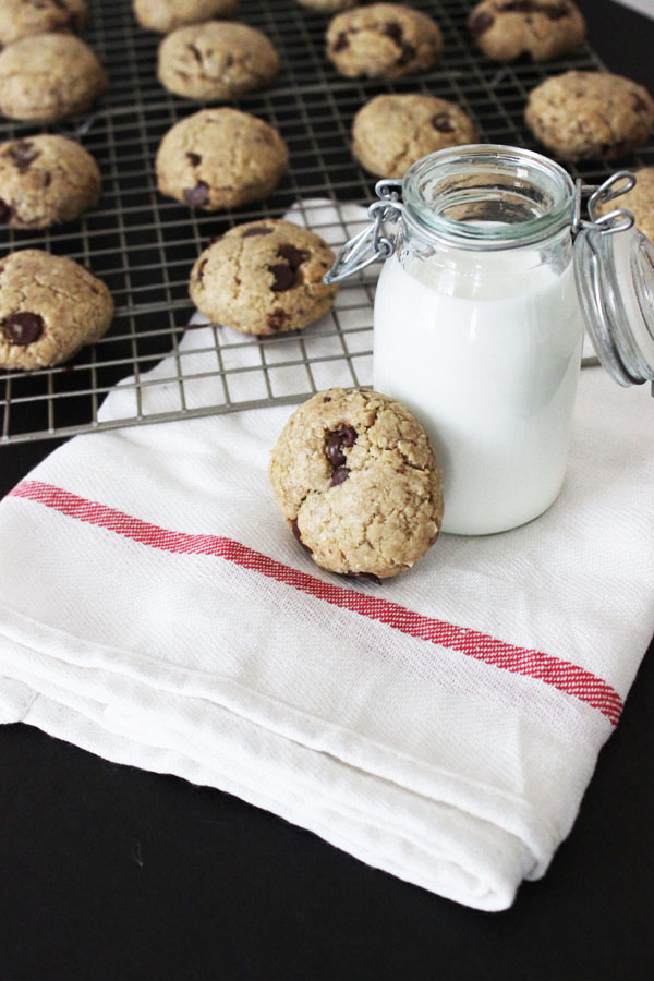 Vegan Choc Chip Cookies {La Casa de Sweets}
